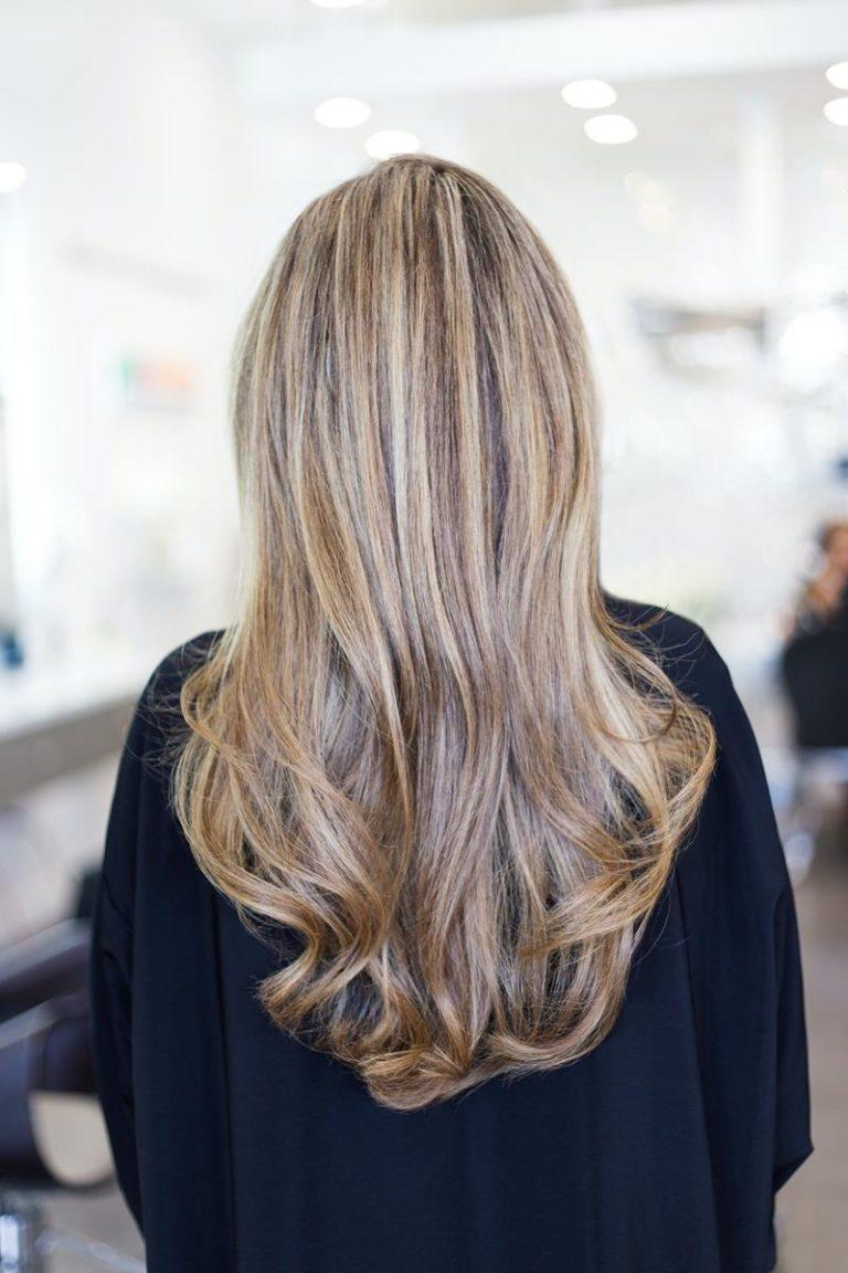 Henna do farbowania włosów to nie tylko kolory pomarańczowe i czerwone
