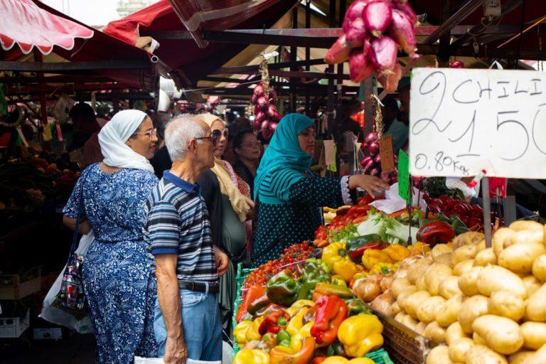 Jak odpowiednio realizować zakupy produktów spożywczych?