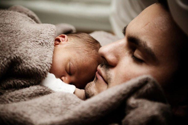 Ile pościeli potrzebuje niemowlę?
