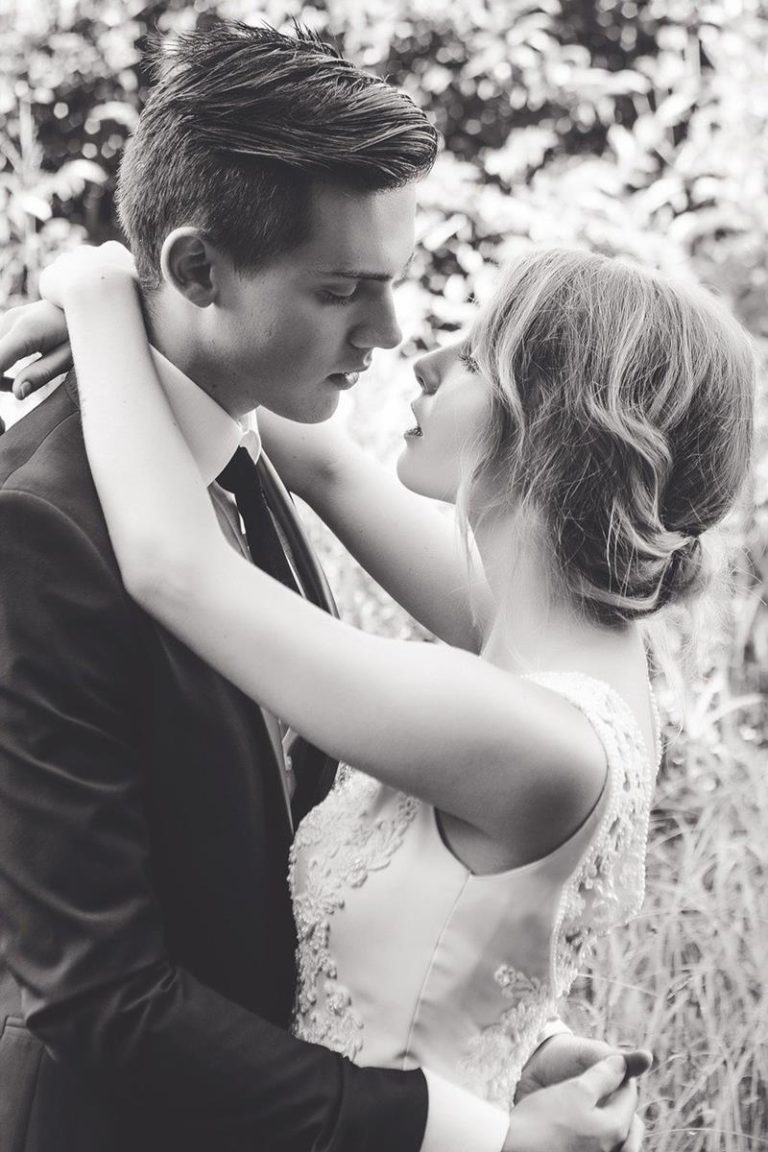 Jak przygotować się do zakupów sukni ślubnych?